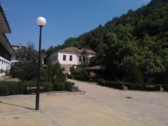 10-08-2013-dryanovoklosteret2