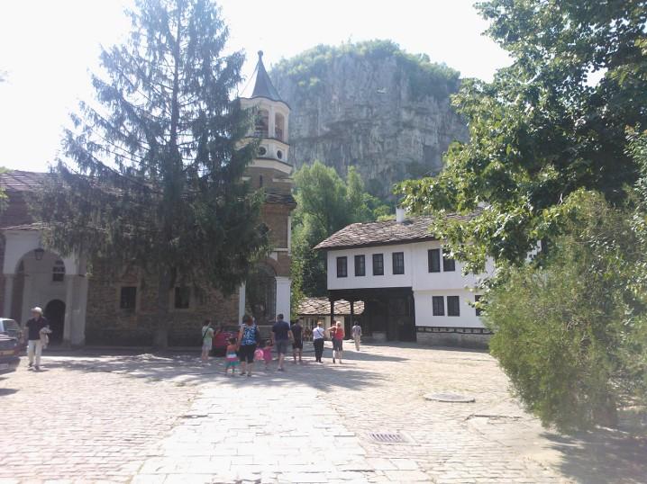 10-08-2013-dryanovoklosteret3